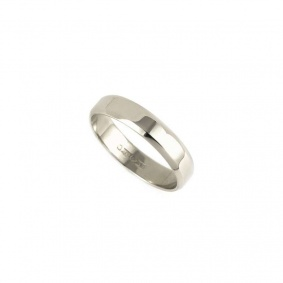 Ladies 4mm Bevelled Edge Wedding Band in Platinum